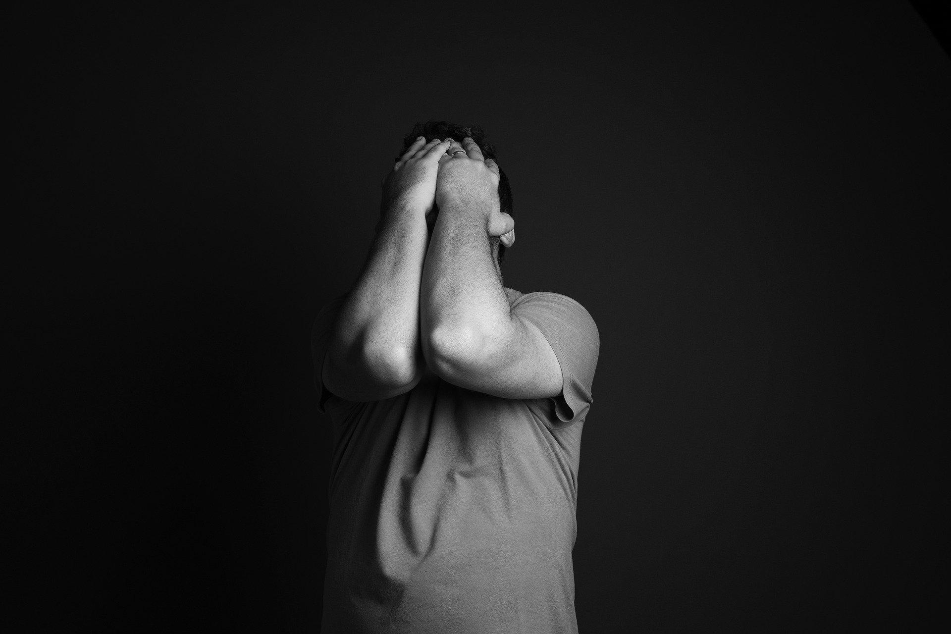 心理的安全性が不足すると生じる4つの不安