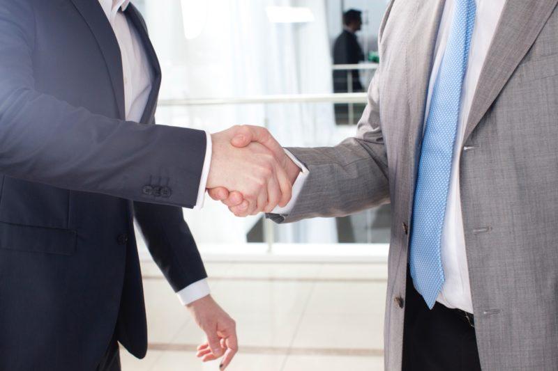 非言語コミュニケーションのビジネス場面での活用